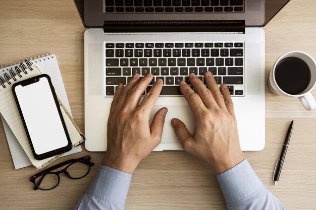 Laptop Core i5 dành cho nhân viên văn phòng