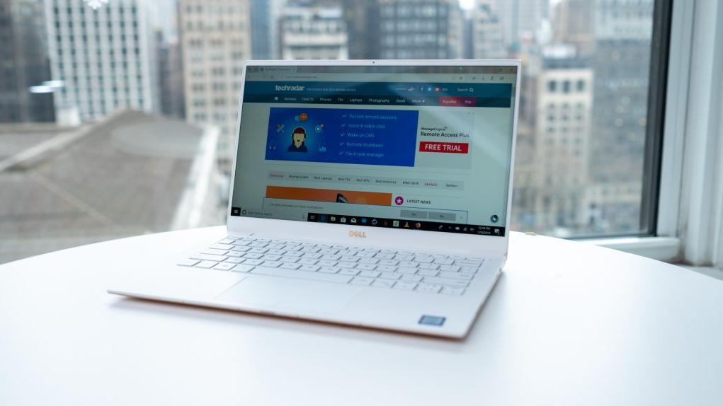 Máy tính xách tay tốt nhất 2020 - Dell XPS 13